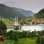 قرية وبحيرة اوزنجول